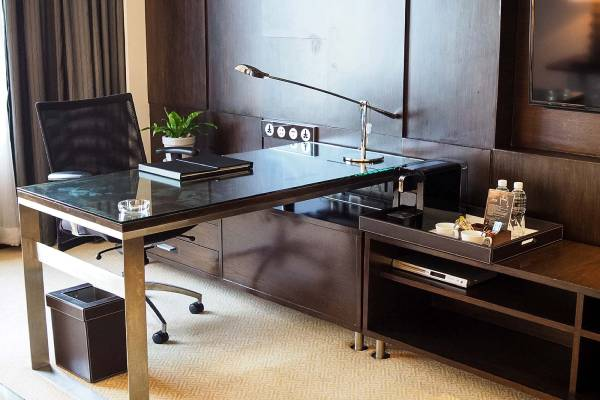 hotel guest room desk made in turkey