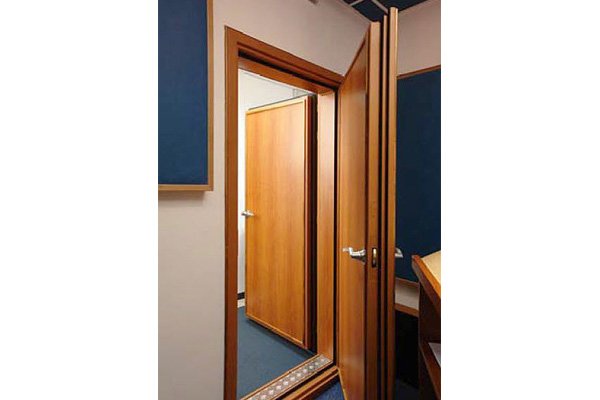 Sound proof acoustic insulated hotel doors made in Turkey 3